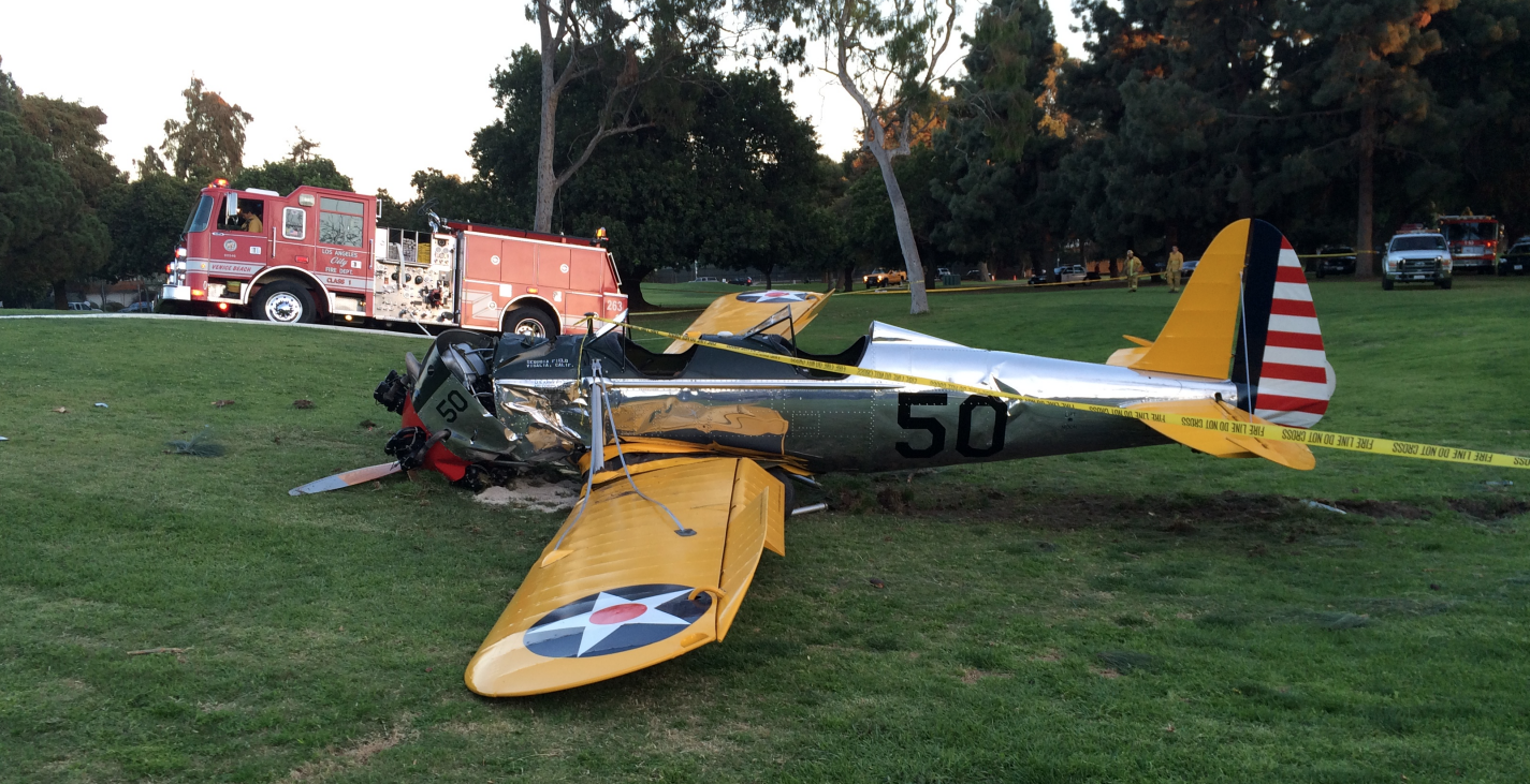 Plane crashes involving actor Harrison Ford